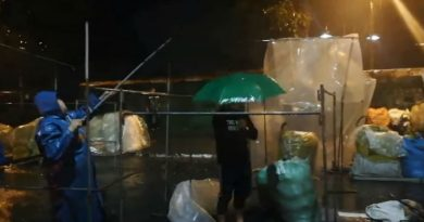 Night Market vendors brave the stormy weather! (08/13/19)
